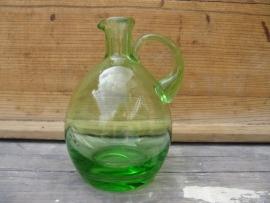 Antiek groen glazen kannetje