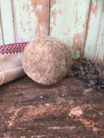 Oude houten bal