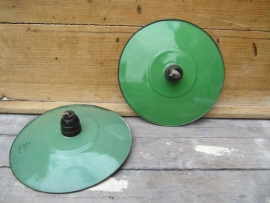 Lampje met groen emaille kapje