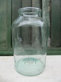 Antieke glazen pot of bokaal van 8 liter