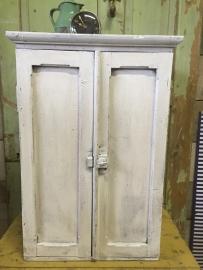 Antiek Frans klein houten twee-deurs kastje