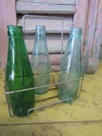 Oud flessenrekje