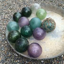 Antieke Franse glazen gekleurde drijvers