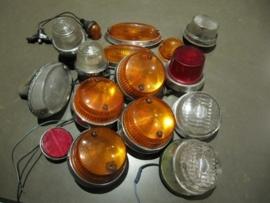 Set van 15 oude autolampen