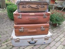 Oude Brocante Franse koffers 4 stuks
