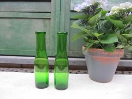 Antieke groene Franse flessen set van 2 stuks
