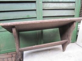 Frans brocante houten regaal.