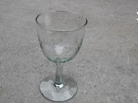Wijn glas met bloemetjes motief
