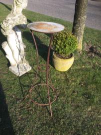 Brocant metalen planten tafeltje