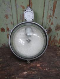 Oude industriële wand of plafondlamp