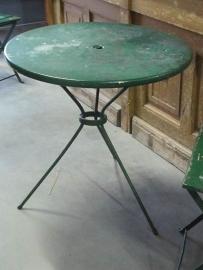 Oud tafeltje/ 2 stoelen