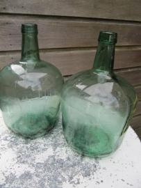 Oude groen gistfles van 5 liter
