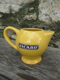 Frans brocante waterkannetje van Ricard