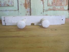 Oud houten kapstokje