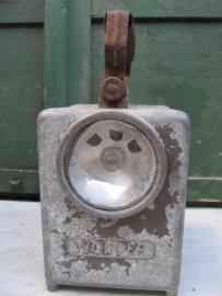 Franse oude metalen brocante lantaarn aluminium kleurig.