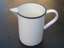 Emaille witte maatkan van 1 liter