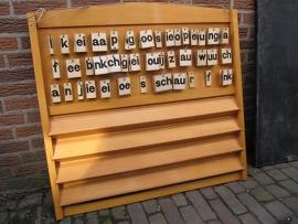 Oud houten letterbord