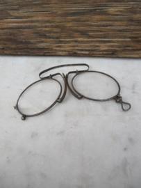 Oud brilletje met 2 ovale glazen