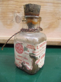 Frans oud flesje van houtverf Cadmium