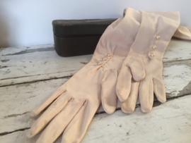 Oude lange dameshandschoenen