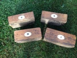 Set van 4 houten genummerde bakjes