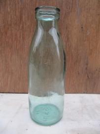 Oud melkflesje van 1/2 liter