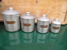 Franse brocante set van 4 aluminium voorraadblikjes