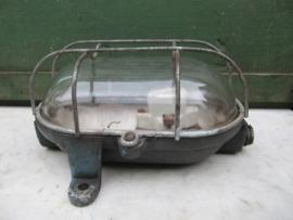 Oude metalen industrie kooilamp