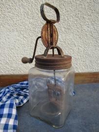 Franse antieke glazen boterkarner