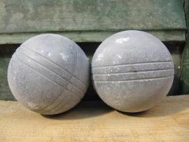 Set van 2 oude petanque ballen