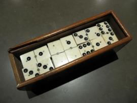 Antiek dominospel van Ivoor