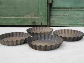 Oude kleine gebakvormpjes in diverse formaten