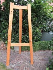 Oude houten hoge ezel