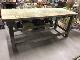 Oude houten werkbank/tafel