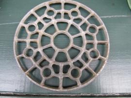 Brocante metalen onderzetter