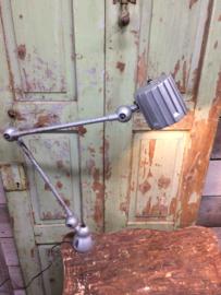 Oude industriële Jieldé lamp met 2 armen