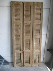 Antieke louvre deur uit 3 delen met espanjolet sluiting