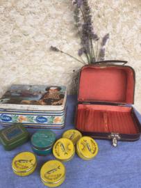 Oud kaviaar blikje, blauw