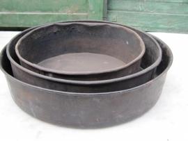 Antieke ronde bakvorm voor o.a. brood