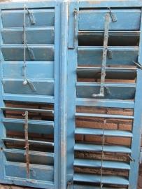 Antieke blauwe shutters / luiken set.