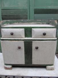 Leuk oud houten kinder- of nachtkastje