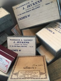 Oud brocant medicijndoosje