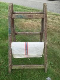 Oude brede ladder