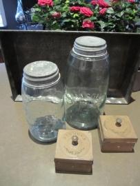 Antieke Amerikaanse inmaakpot Mason`s Jar met zinken deksel large