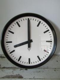Grote industriële ronde klok