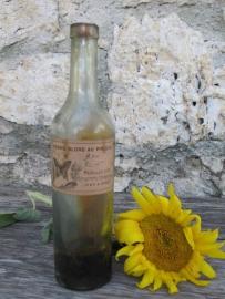 Antieke Franse fles met inhoud:  Vernis Blond
