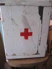 Brocant houten medicijnkastje