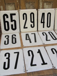 Emaille borden met nummers