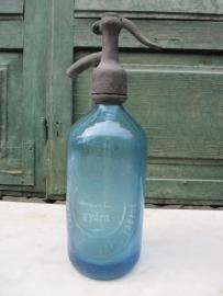 Lichtblauwe spuitfles van een 1/2 liter
