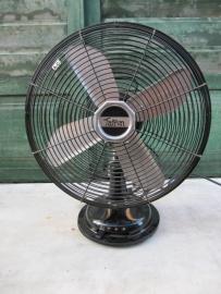 Mooie oude ventilator Taifun van Ikea